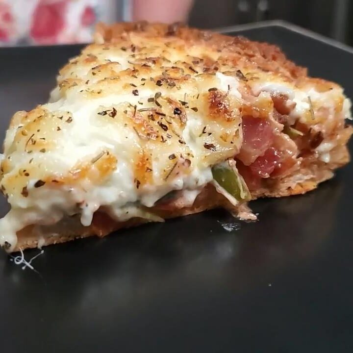 Bacon Tomato Pie in a Deep Crust Tammys Twist on Tomato Pie