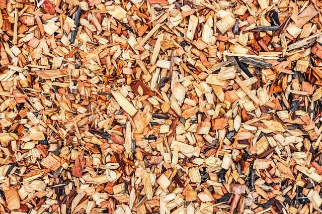 Cedar Mulch Pros and Cons
