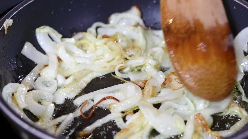 Tomato Tartar Recipe - 7 Saute Onions
